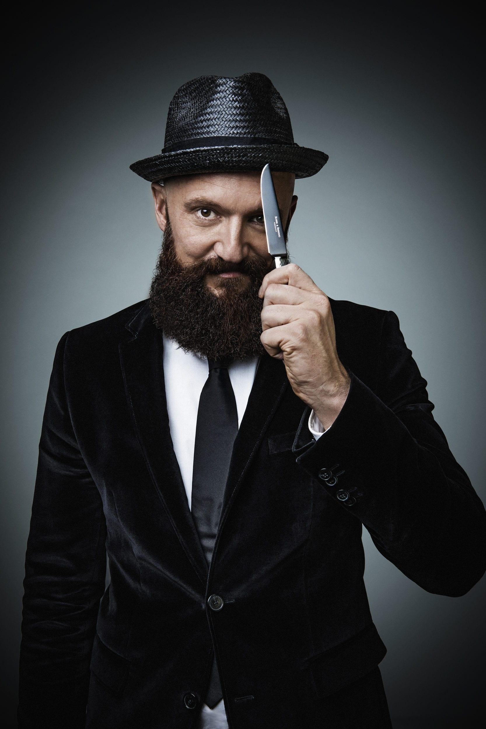 Mann mit Hut   Man with hat STYLISH BARBECUE