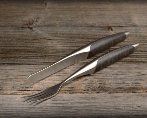 sknife Steakbesteck Esche 2 495x400 sknife