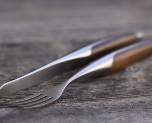 sknife Steakbesteck Walnuss 495x400 World of products